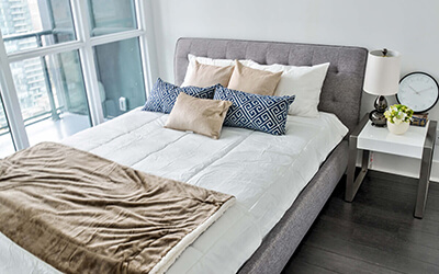 Yorkville_bedroom_400x250